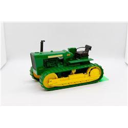 John Deere 2010 diesel crawler 1:16