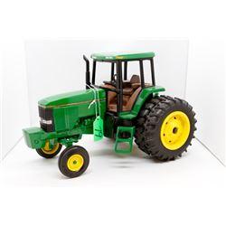 John Deere 7800 toy tractor 1:16