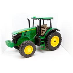 John Deere toy tractor 1:16