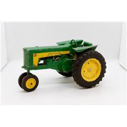 John Deere toy tractor 1:16 USED