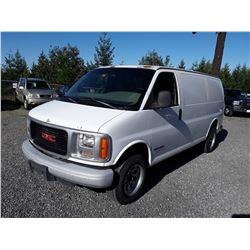 N3 --  2000 GMC SAVANA G2500  , White , 374771  KM's