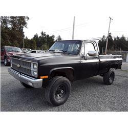 H3 --  1982 CHEVROLET 1500 4X4 , Black , 279006  KM's