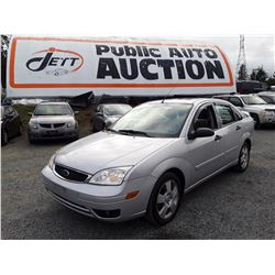 E4 --  2005 FORD FOCUS ZX4, SILVER, 147,078 KMS