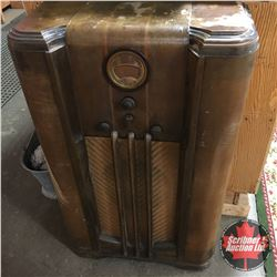 Philco Floor Model Radio (Not Working)