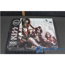 NIB Kiss Puzzle