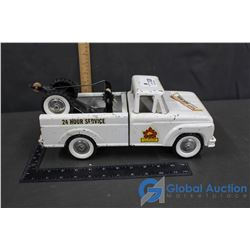 Vintage Tonka Tow Truck w/ Front Spring Suspension