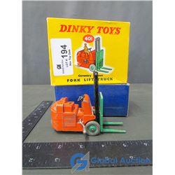 Dinky Toys Fork Lift Truck w/Original Box