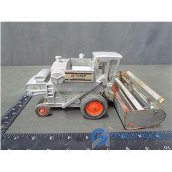 Vintage ERTL Gleaner Combine (Metal)