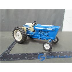 Ford Model 4600 Die Cast Tractor 1:16 Scale