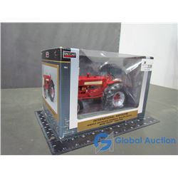 IH W450D Farmall High Detail Die Cast Tractor 1:16 Scale