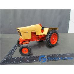 Case 800 Die Cast Tractor 1:16 Scale