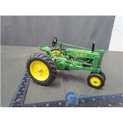 John Deere Model G Row Crop Die Cast Tractor 1:16 Scale