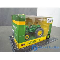 1942 John Deere Model LA Die Cast Tractor 1:16 Scale