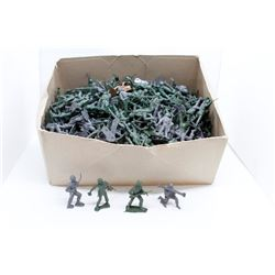 Box of plastic soldiers (hundreds)