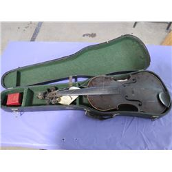 VIOLIN AND CASE (NEEDS REPAIR)