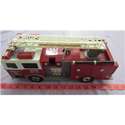 TOY FIRE TRUCK (FUNRISE-1992) *CHINA*