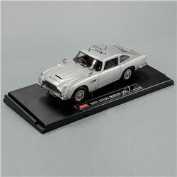 Daniel Craig Autographed James Bond Aston Martin DB5 1:18 Scale Die-Cast Car