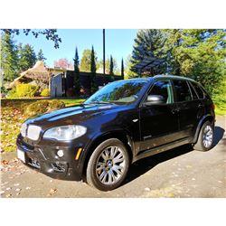 2010 BMW X5  xDDRIVE  48i SUV