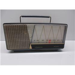 Holiday 6 Transistor AM Radio