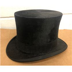HOLT RENFREW TOP HAT