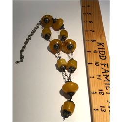 AMBER LOOK STONE NECKLACE