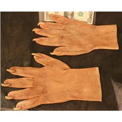 X-MEN SABRETOOTH SCREEN USED STUNT STAGE 2 SILICONE GLOVES WITH CLAWS 2