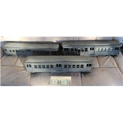 ZZ- TRAINS PASSENGER CARS ANTIQUE FILMING MINIATURE LOT OF 3 LEAD