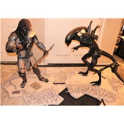 ALIEN VS PREDATOR 1/2 SCALE STATUES VERY RARE PROMO FROM WORLD PREMIERE