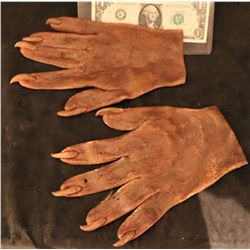X-MEN ORIGINS SABRETOOTH SCREEN USED STUNT STAGE 2 SILICONE GLOVES WITH CLAWS 4