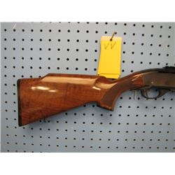 V V...  Remington Model 7400 semi-auto clip 30 06 scope rail small chip in stock