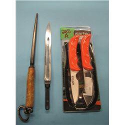 Skinner Caper combo knife set, knife sharpening steel and SKS bayonet
