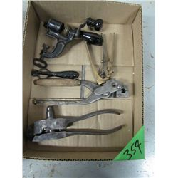 box with old handloaders Etc 2520 WCF