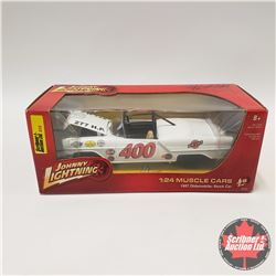 Johnny Lightning 1957 Olds Stock Car (1/24 Scale)