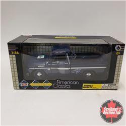 "Motormax 1966 Chev C10 Pickup ""Toronto Maple Leafs"" (1/24 Scale)"