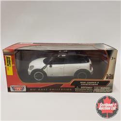 Motormax Mini Cooper S Country Man (1/24 Scale)