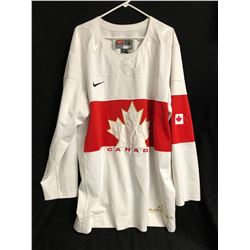 TEAM CANADA HOCKEY JERSEY (XXL)