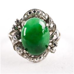Ladies 18kt White Gold Jade Ring with 1 Oval Caboc