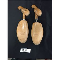 Vintage Pair of Wooden Shoe Forms Size 6
