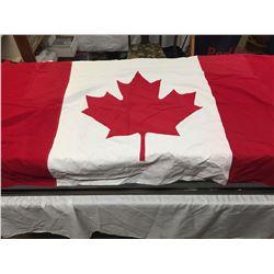 "Vintage Cloth Canadian Flag 70"" x 35"""