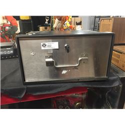 """Mobile Safe With Key. 10"""" x 13"""" x 9"""" It is Heavy, 26 lbs"""