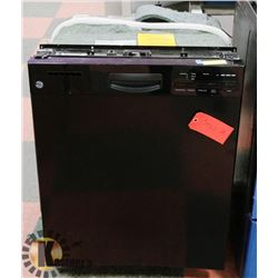 GE BLACK DISHWASHER WITH FRONT CONTROLS,