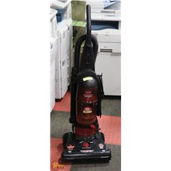 BISSELL UP RIGHT VACUUM CLEANER WITH POWER HEAD