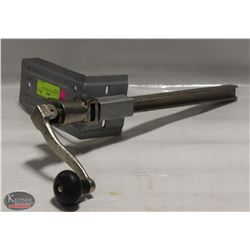 EDLUND TABLE MOUNT CAN OPENER