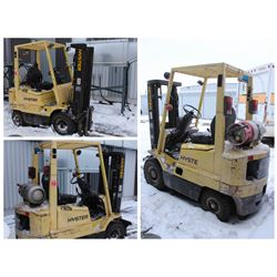 HYSTER 3-STAGE COMMERCIAL FORKLIFT