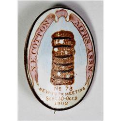 1902 ENAMEL PIN