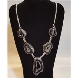 AWESOME 89.50 CT HIGHLY POLISHED BLACK AGATE NECKLACE.