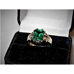 GORGEOUS 5 CT VVS1 EMERALD RING