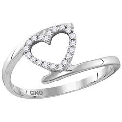 10kt White Gold Womens Round Diamond Held Heart Love Ri