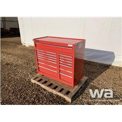INTERNATIONAL TOOL CHEST & TOOLS