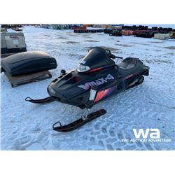 1996 YAMAHA VMAX 4-750 SNOWMOBILE